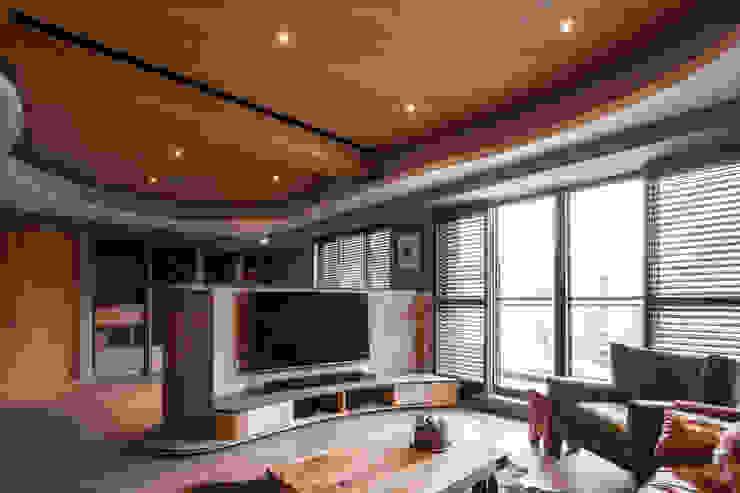 客廳 根據 居間設計 殖民地風