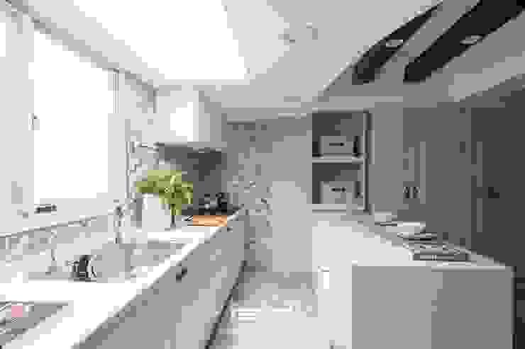 廚房 根據 居間設計 鄉村風
