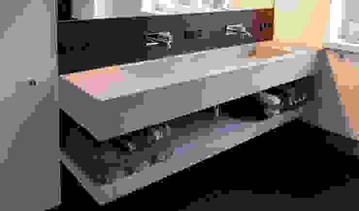 Betonwaschbecken Arrayd: modern  von material raum form,Modern Beton