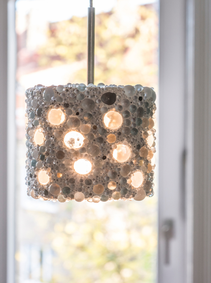 Pearlnera – Glas im Beton material raum form EsszimmerBeleuchtungen Beton Weiß
