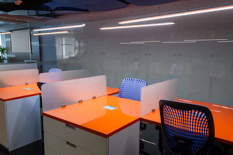 OPERACIONES Salas modernas de AQ3 COL SAS Moderno