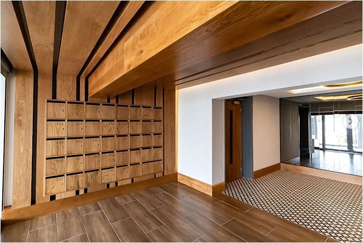 New foyer upgrade, Seapoint Modern Corridor, Hallway and Staircase by Holloway and Davel architects Modern Wood Wood effect
