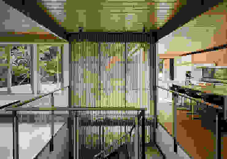 Twin Peaks Modern Corridor, Hallway and Staircase by Feldman Architecture Modern