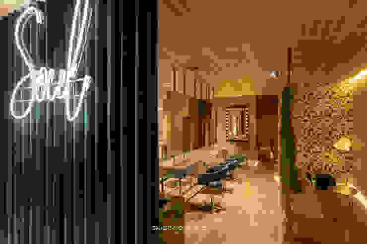Susana Camelo Salones de estilo moderno Aglomerado Verde