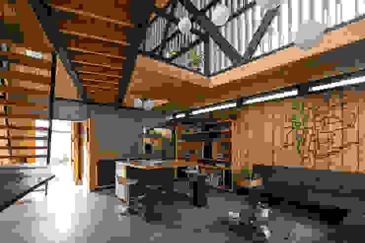 Casa FS Livings de estilo minimalista de Estudio Dikenstein arquitectos Minimalista