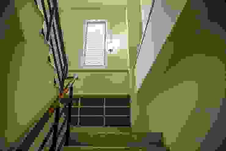 斗六曾公館 現代風玄關、走廊與階梯 根據 大漢創研室內裝修設計有限公司 現代風