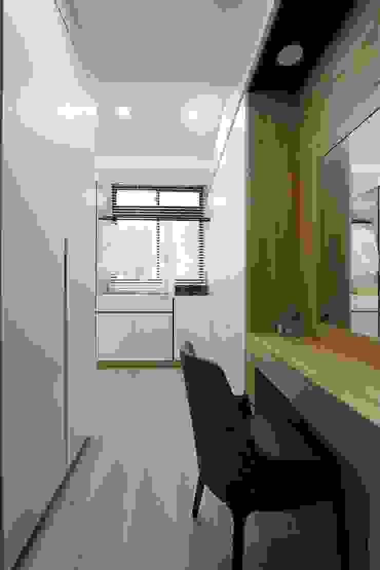 斗六曾小姐 現代浴室設計點子、靈感&圖片 根據 大漢創研室內裝修設計有限公司 現代風