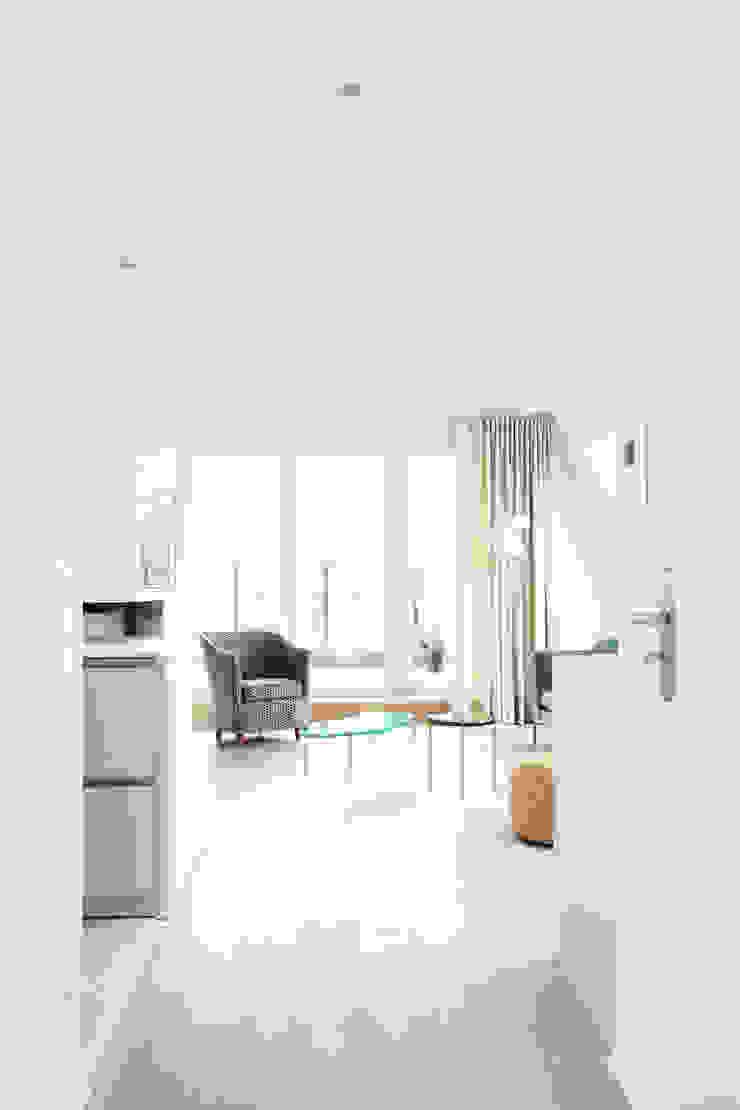 Wohnzimmer Moderne Wohnzimmer von AGNES MORGUET Interior Art & Design Modern