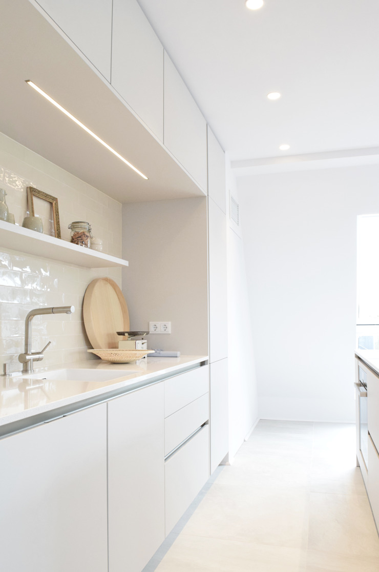 Küche Moderne Küchen von AGNES MORGUET Interior Art & Design Modern