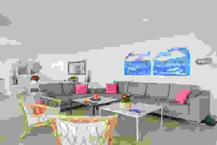 CREAPROJECTS. Interior vivienda. Salón zona de estar - comedor Salones de estilo mediterráneo de CREAPROJECTS. Interior design. Mediterráneo