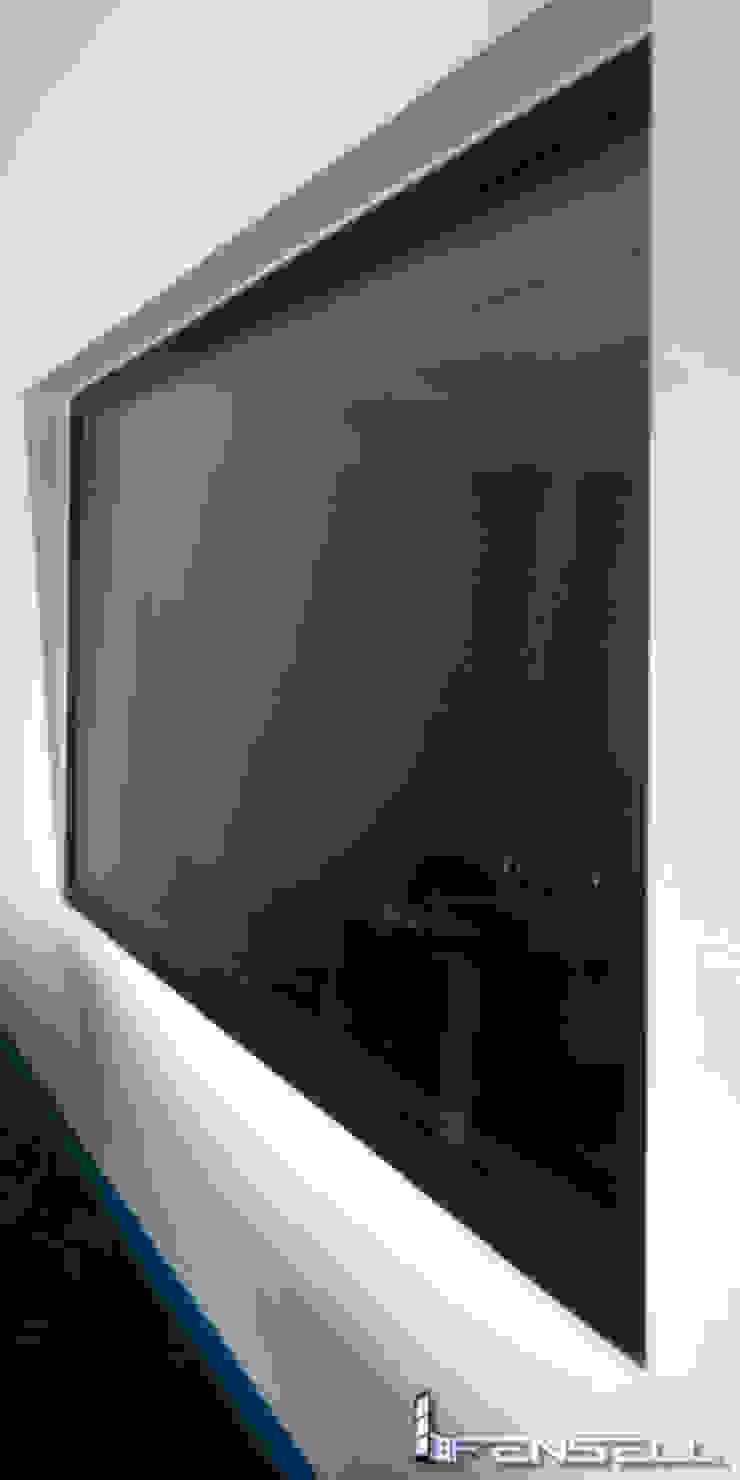 Ventanas de acusticidad para televisa monterrey. de FENSELL Moderno Plástico