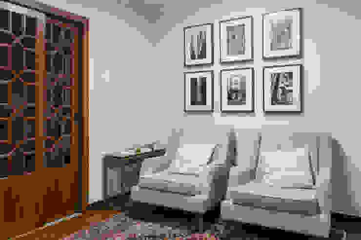 Ausgefallene Arbeitszimmer von Élcio Bianchini Projetos Ausgefallen
