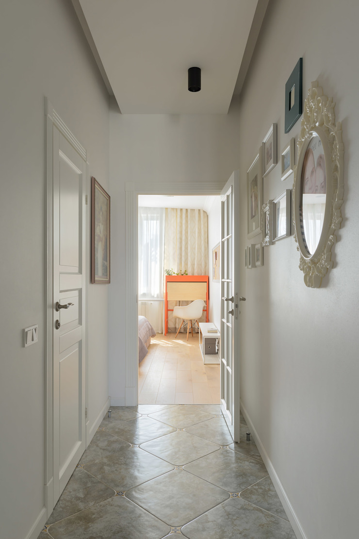 """Forever young"". White Cozy Home. SAZONOVA group Коридор, прихожая и лестница в скандинавском стиле"