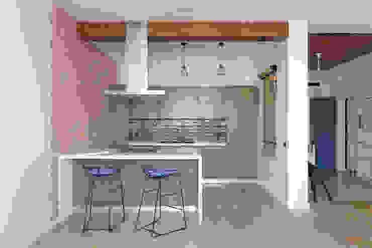 "<q class=""-first"">Forever young</q>. White Cozy Home. SAZONOVA group Кухня в скандинавском стиле"