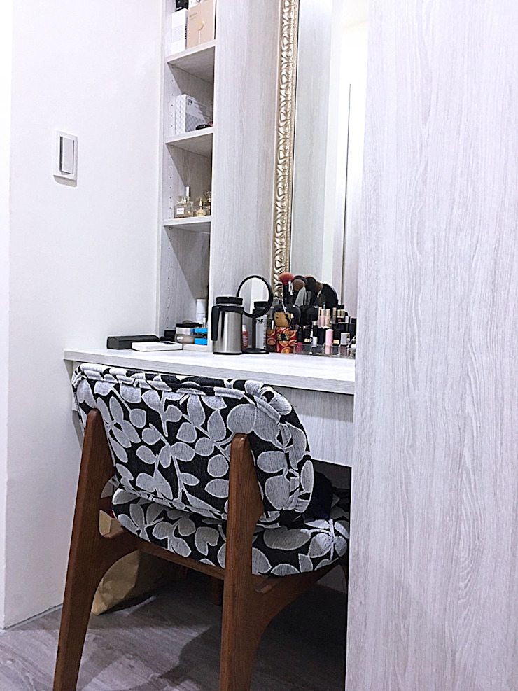 Classic style dressing room by 業傑室內設計 Classic Wood-Plastic Composite