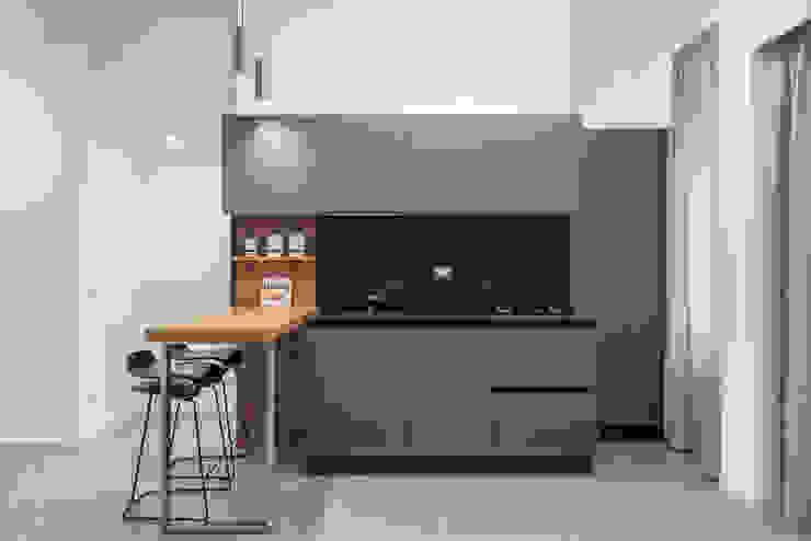 Cucina Cucina moderna di Facile Ristrutturare Moderno