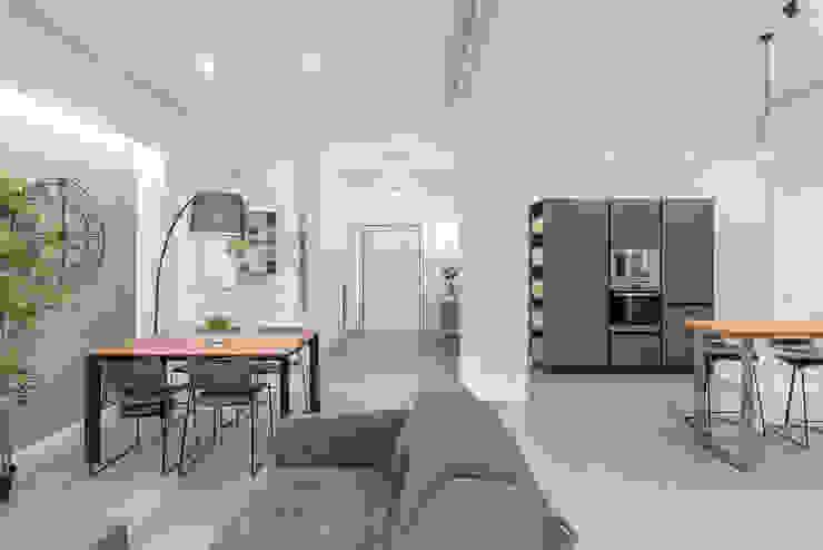 Living Open Space Soggiorno moderno di Facile Ristrutturare Moderno