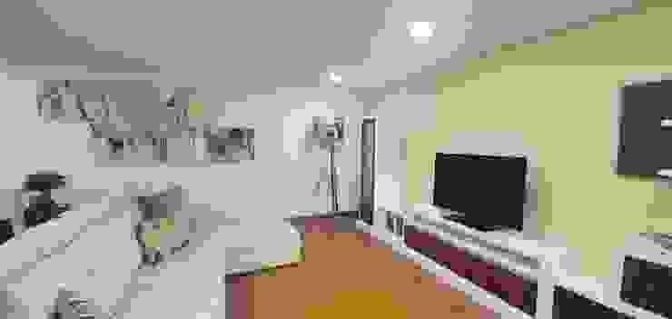 Moderne Wohnzimmer von Versatilis Inovação Design Modern
