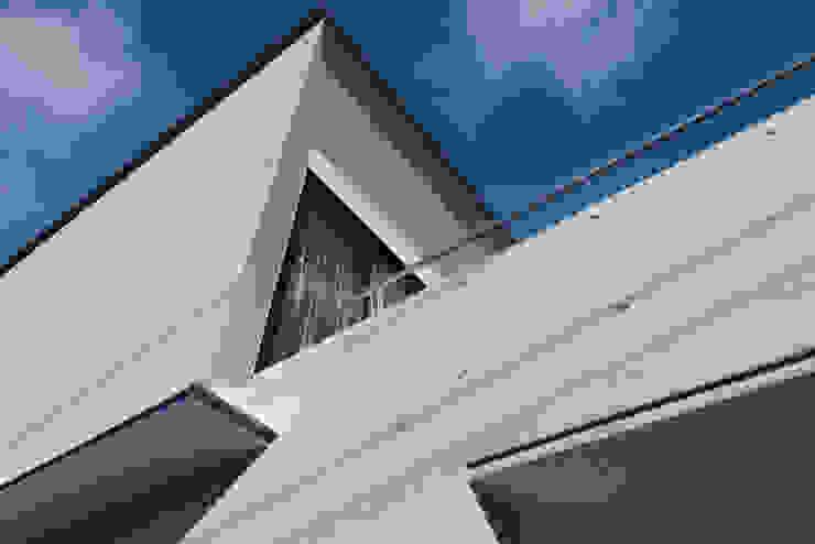 Modern Houses by 風景のある家.LLC Modern Concrete
