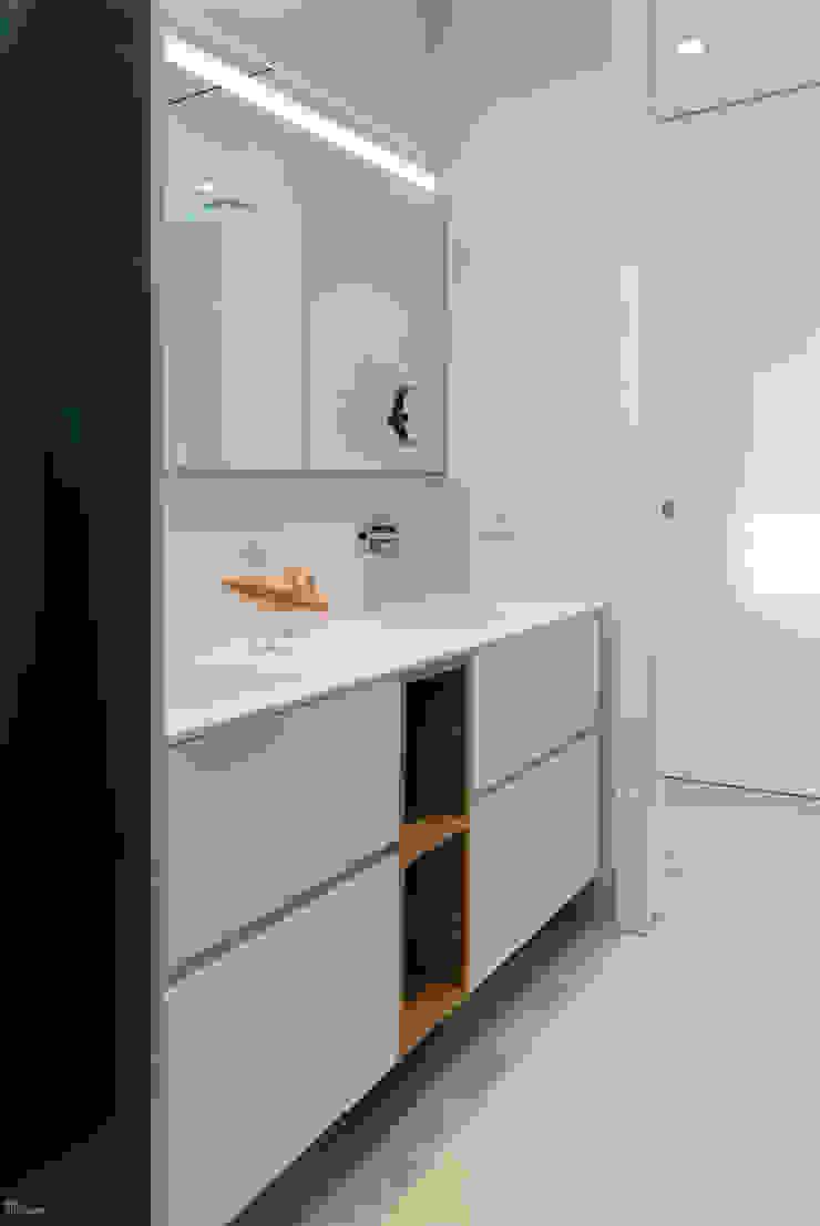 Proyecto interiorismo y arquitectura de un unifamiliar en Carlet, Valencia Baños de estilo minimalista de Ideas Interiorismo Exclusivo, SLU Minimalista