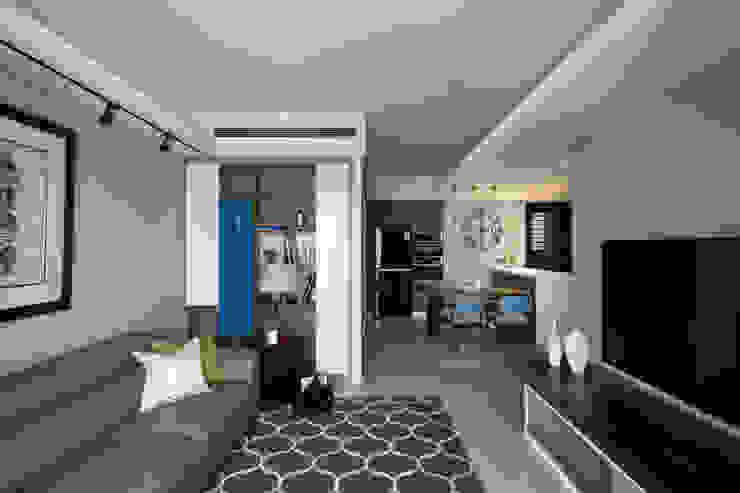 惠宇禮仁 现代客厅設計點子、靈感 & 圖片 根據 晴川室內裝修設計有限公司 現代風