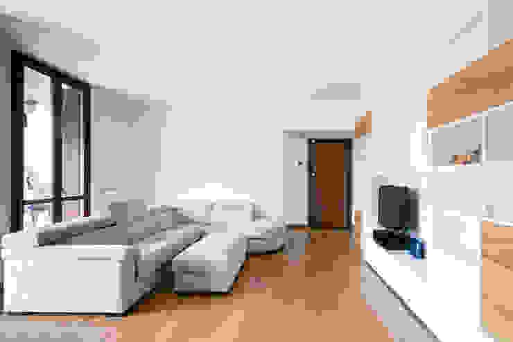 GruppoTre Architetti Ruang Keluarga Modern White