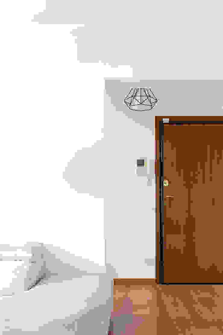 GruppoTre Architetti Pintu Wood effect