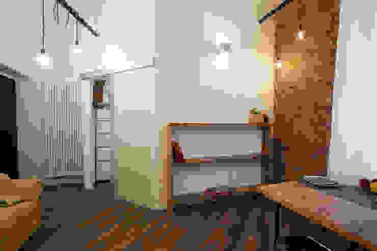 Salones de estilo moderno de GruppoTre Architetti Moderno