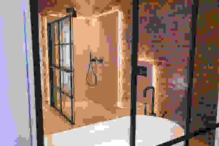 Stalen douchewand met elektrische radiatorfunctie De Eerste Kamer Industriële badkamers Metaal Zwart