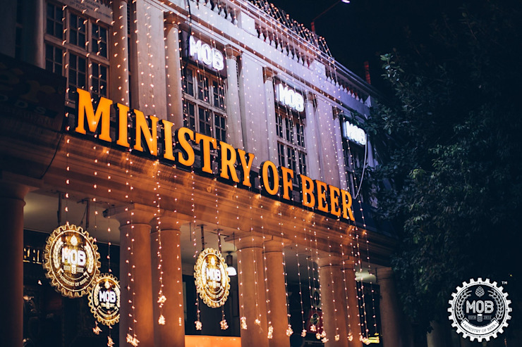 Ministry of Beer, CP Delhi Industrial style bars & clubs by Studio Interiors Infra Height Pvt Ltd Industrial