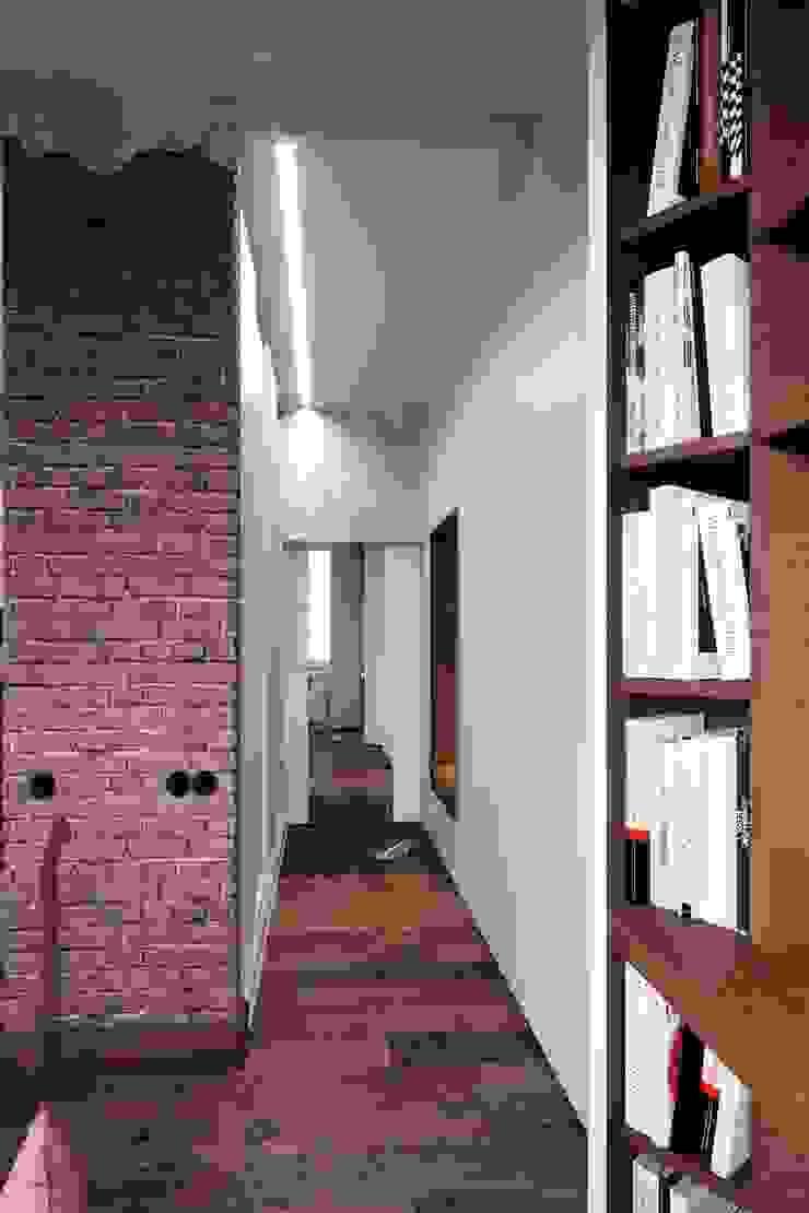industrial style corridor, hallway & stairs by Vashantsev Nik Industrial