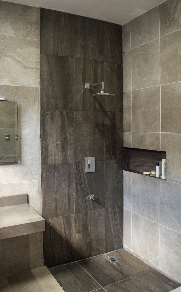現代浴室設計點子、靈感&圖片 根據 Punto Libre Arquitectura 現代風