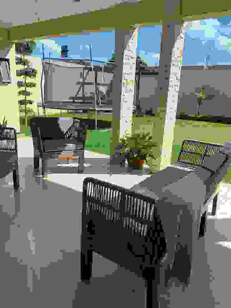 SILLAS ACAPULCO ESTILO RETRO Living roomSofas & armchairs