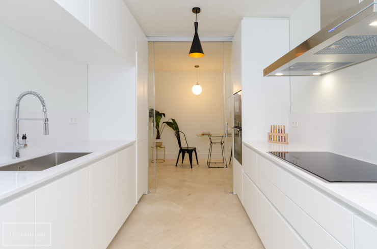 Theunissen Staging y Decoración SL Dapur built in