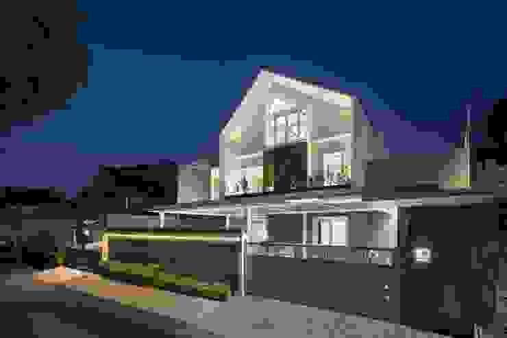 HC House Oleh CV Berkat Estetika Skandinavia Beton Bertulang