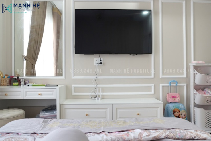 Classic style bedroom by Công ty TNHH Nội Thất Mạnh Hệ Classic Engineered Wood Transparent