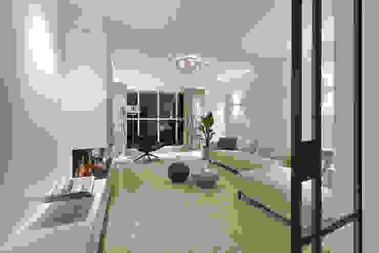 Realisatie en ontwerp woonkamer Moderne woonkamers van Ester Lipsch Creatief Ontwerp Modern