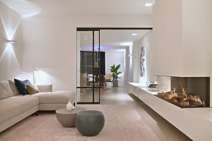 Ontwerp en realisatie woonhuis Moderne woonkamers van Ester Lipsch Creatief Ontwerp Modern