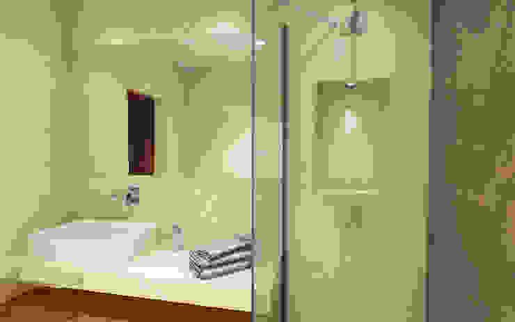 Remodelação de Casa de Banho Suite Eduardo Coelho | Arquitecto Casas de banho modernas Cerâmica Bege
