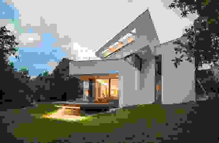 Avantecture GmbH Modern terrace