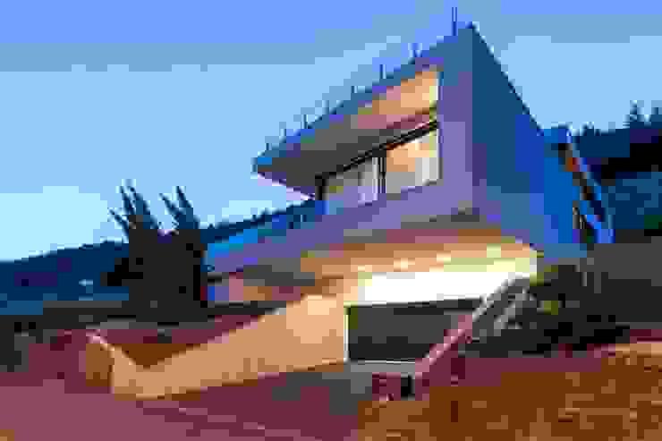 Front der Villa am Weinhang Avantecture GmbH Villa