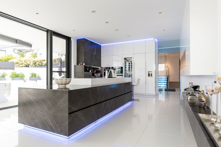 Modern Kitchen by Avantecture GmbH Modern