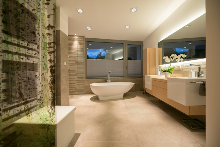 Modern Bathroom by Avantecture GmbH Modern