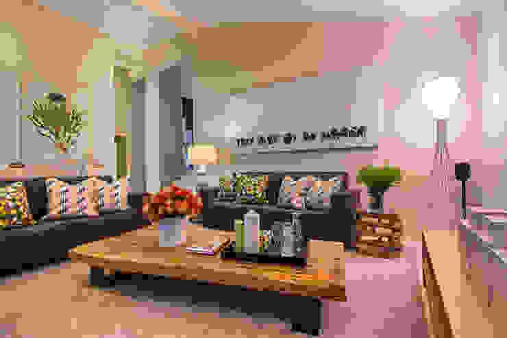 Living area, Zimbali golf estate Modern living room by Architech Modern Wood Wood effect