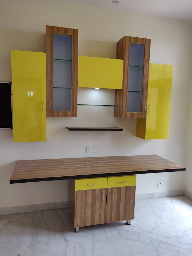 Kid's study table Modern study/office by Design Kreations Modern Plywood