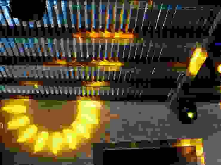 Iluminación Robótica en terraza de dBLuM°C Project Management Moderno