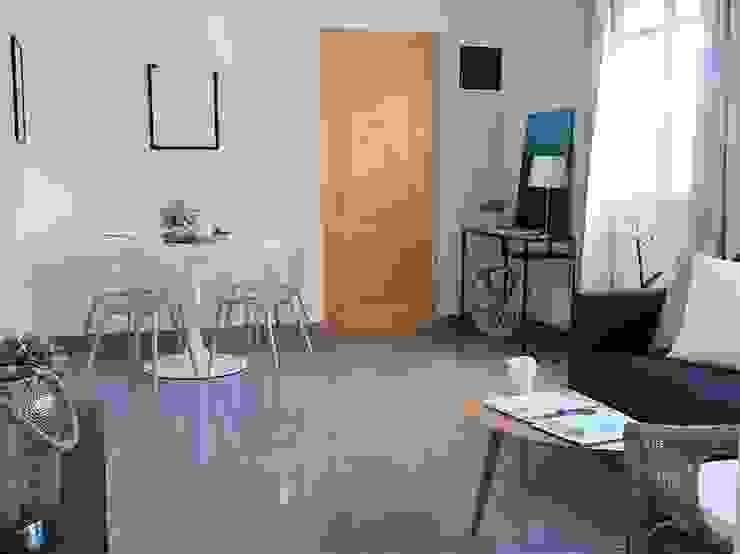 Reforma integral en Escaleritas Masarte Interiores Salones de estilo moderno Ladrillos Blanco