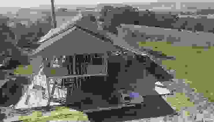 CONSTRUÇÃO EM LSF R&A CARPINTARIA Casas do campo e fazendas Alumínio/Zinco Metalizado/Prateado