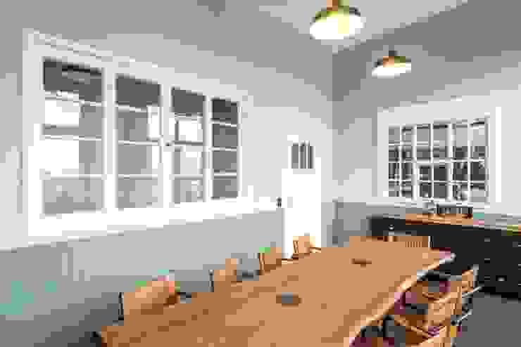 raumdeuter GbR Industrial style dining room