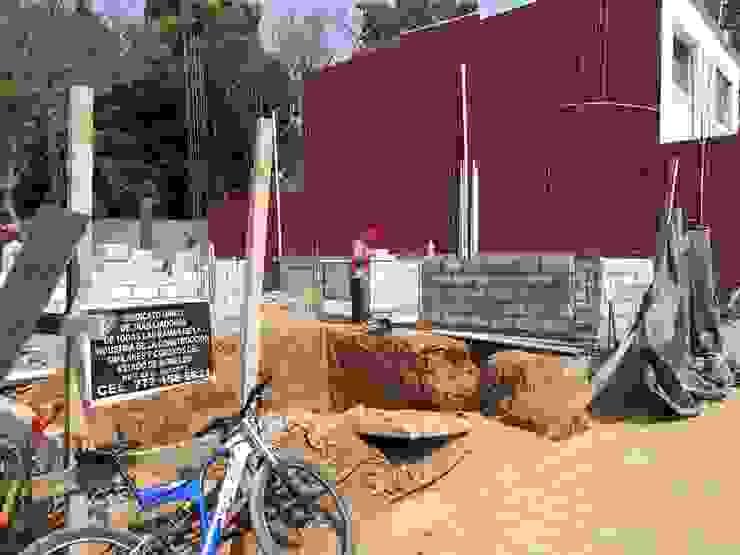 construcción residencia luxueux AR216 Condominios Madera Gris